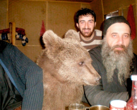 00-bear-and-monk-russia-30-11-13[1]